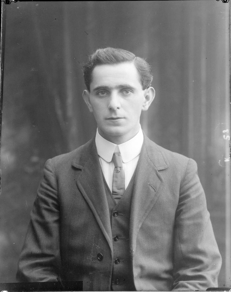 sean mac Seán Mac Diarmada (27 January 1883 – 12 May 1916)