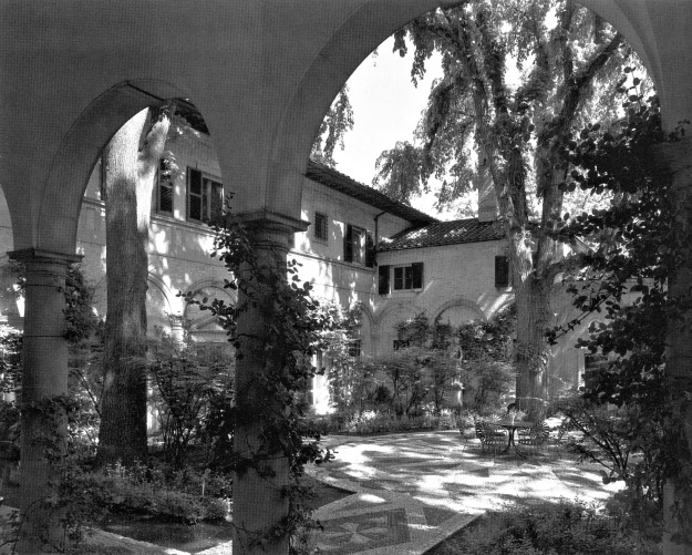 d-adler-pike-house-lake-forest-1916-courtyard