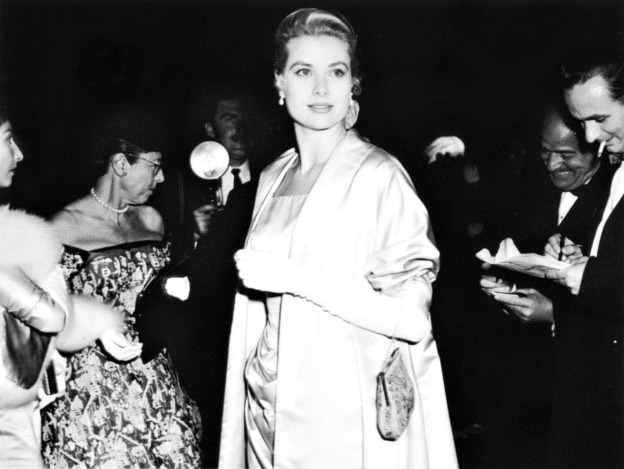 GK arrives with Edith Head to the 1955 academy awards in the Ed 001