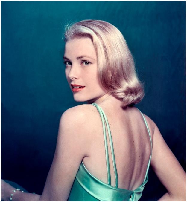 grace-kelly-posing-for-e2809clifee2809d-magazine-1954-philippe-halsmanmagnum-photos
