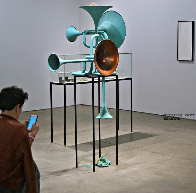 Alicja Kwade, Hypotheisches  Gebilde, 2016 (resize)