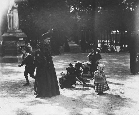 Atget, Children Playing Luxembourg Gardens, c 1898