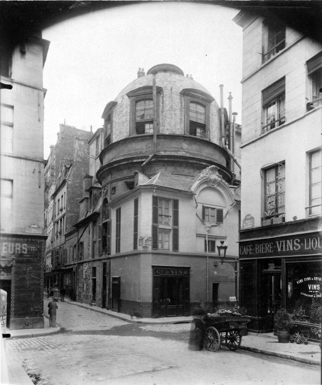 Atget The Old School of Medicine, 1898.
