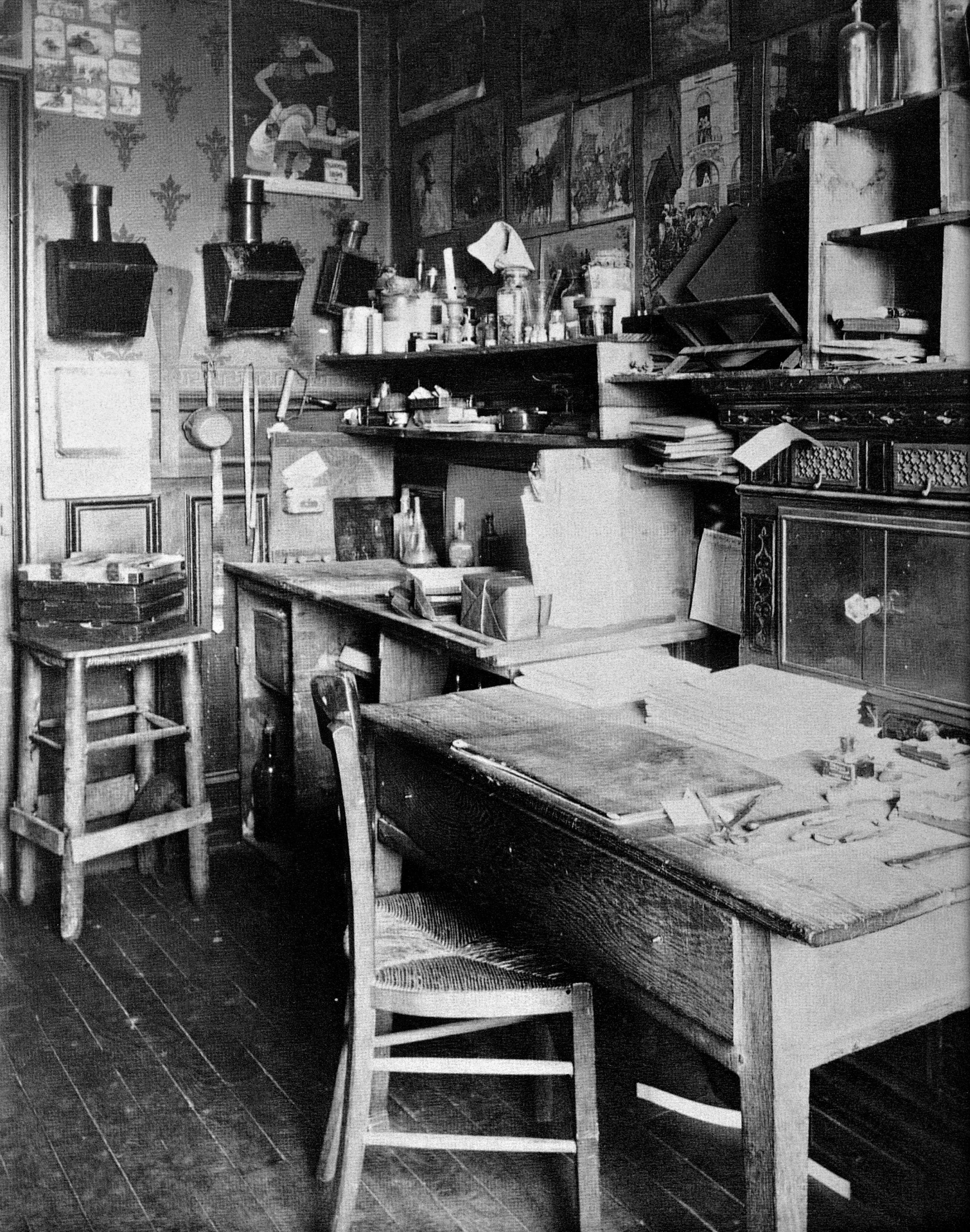 Eugène Atget Studio c. 1910