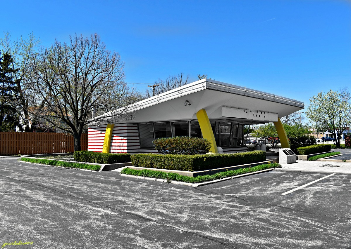 Ray Kroc's very first McDonald's franchise restaurant started in 1955 in Des Plaines, Illinois, is slated to meet the wrecking ball.