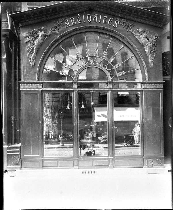 Atget, Paris Antique Store, Rue du Faubourg-Saint-Honore 1902