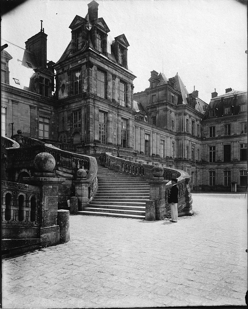 Atget, Courtyard of Farewells, Fontainebleau, 1903