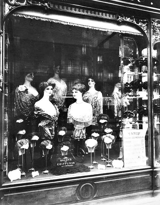 Atget, Hairdresser's shop, boulevard de Strasbourg, 1912