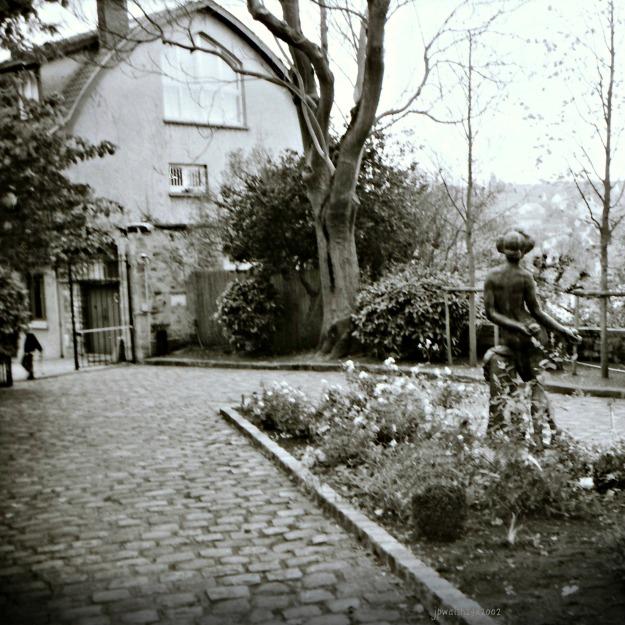 Courtyard, Le Prieuré Maurice Denis, Saint-Germain-en-Laye, France.