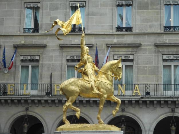 Paris PlacedesPyramidesJeanned'Arcequestre Frémiet 1874
