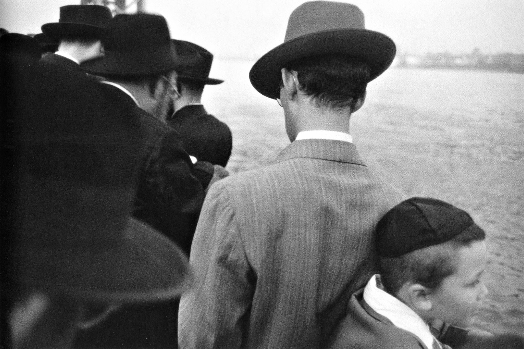 16 Yom Kippur -East River, New York City 1954